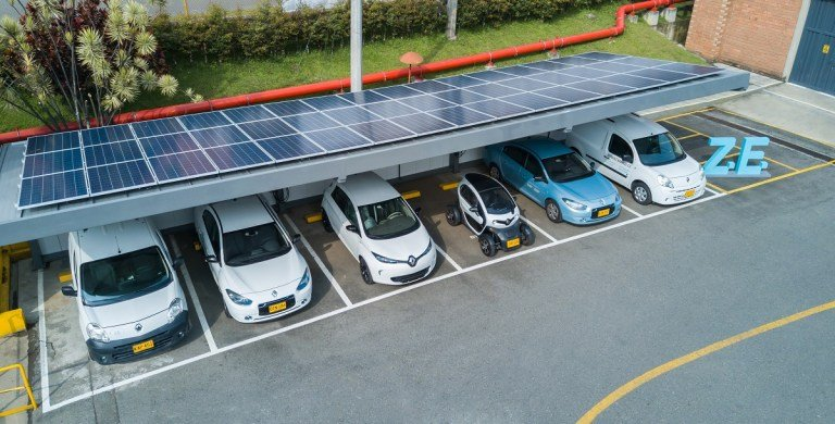 Photo of Renault instaló una estación de carga solar en Envigado