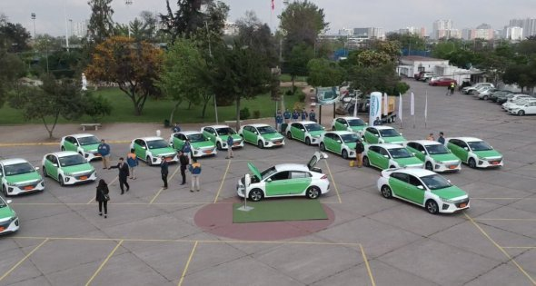 Photo of 60 taxis eléctricos prestarán servicio en Santiago de Chile